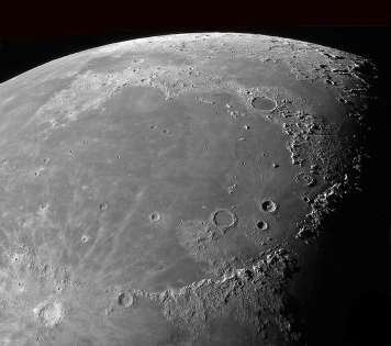 Mare Imbrium (Sea of Rains). Mons Huygens in lower right.